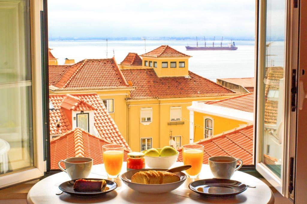 foto - shutterstock- desayuno en Portugal