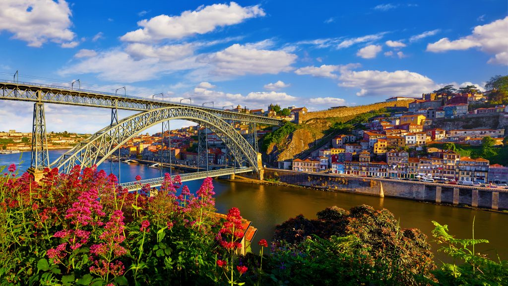 Porto,,Portugal.,Evening,Sunset,Picturesque,View,At,Old,Town,With